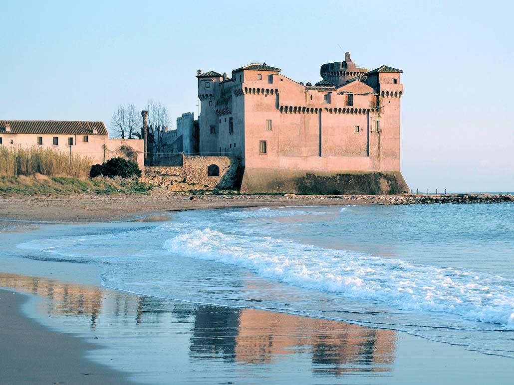 spiaggia santa severa castello santa marinella mare