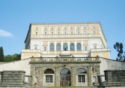 caprarola-palazzo-farnese-fronte